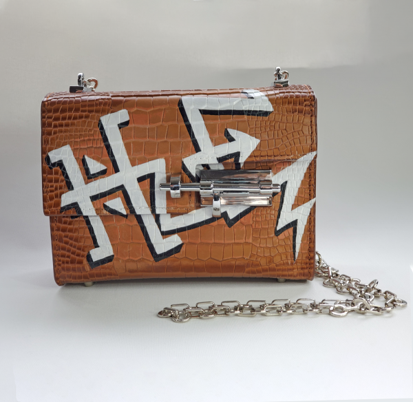 Nancy-Hue-Bespoke-Graffiti-Design-Custom-Handpainted-Handbag