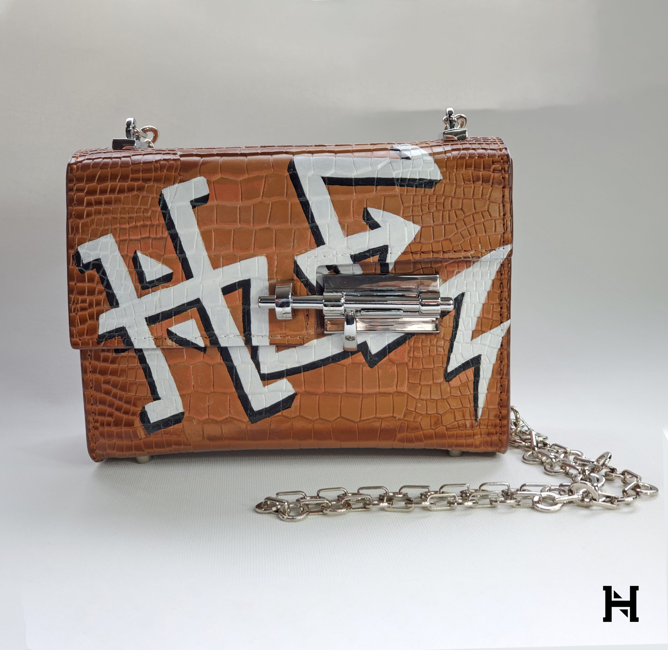 Nancy Hue Bespoke Graffiti Design Custom Handpainted Handbag